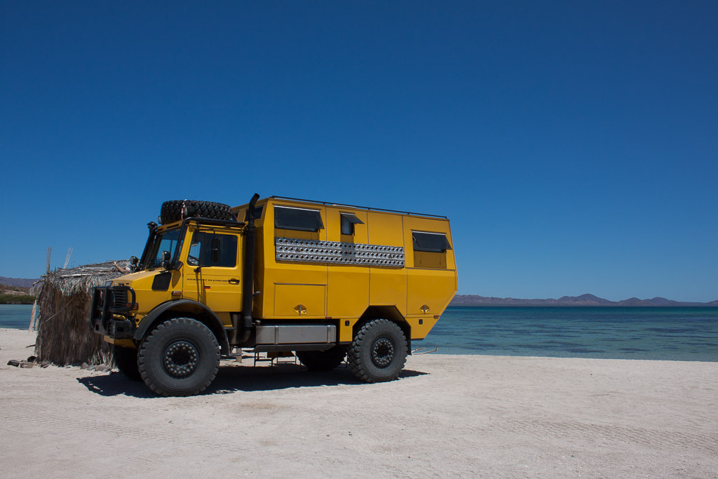 The giant yellow Unimog. This photo was actually taken further north near Playa Escondida, the second time we saw this amazing vehicle (the first was in San Ignacio, the third at Playa Tecolote).