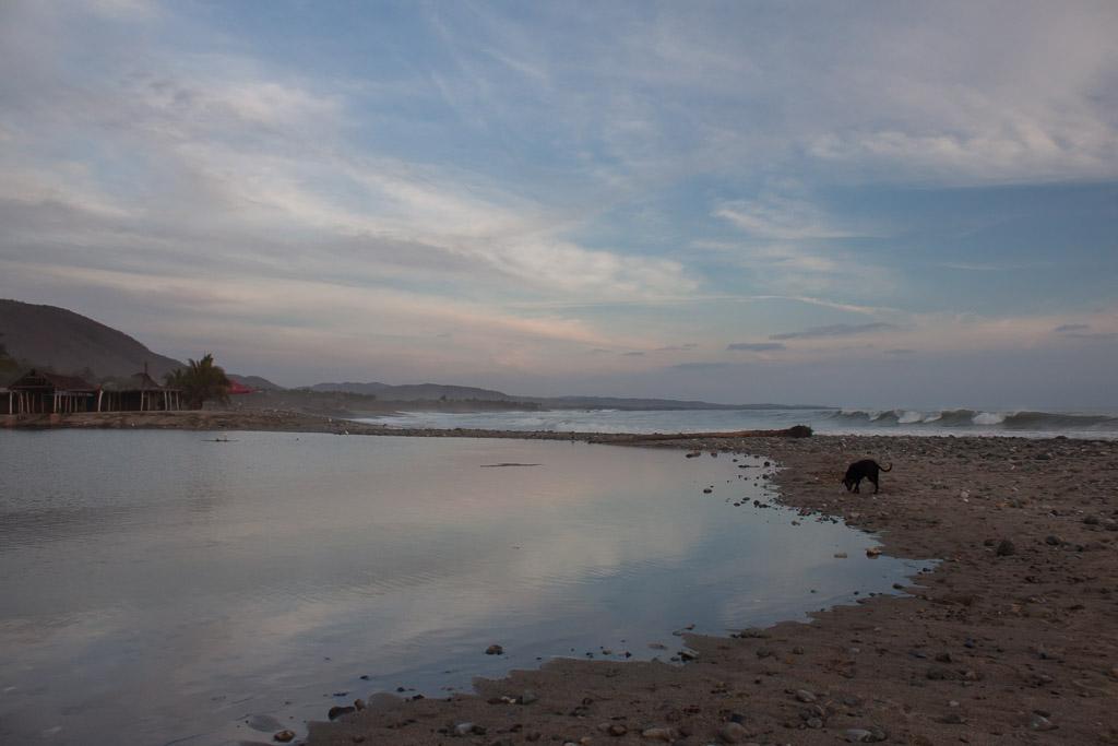 Lagoon and beach at La Ticla.