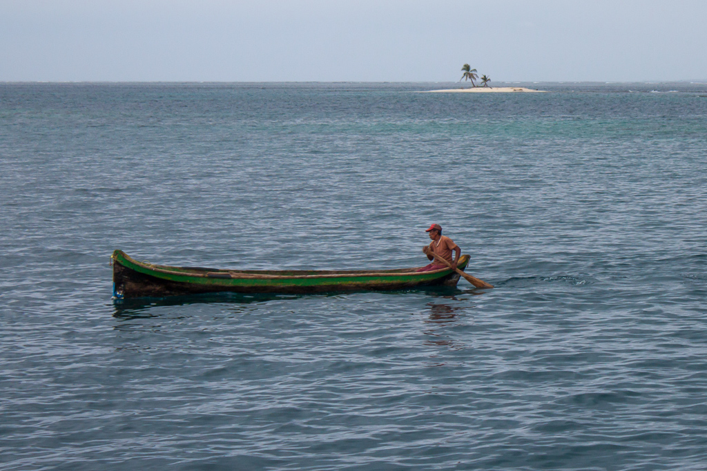 Kuna man in his canoe.