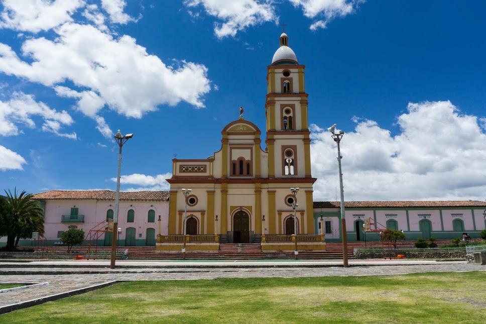Church in El Cocuy (photo by Elizabeth Frank).