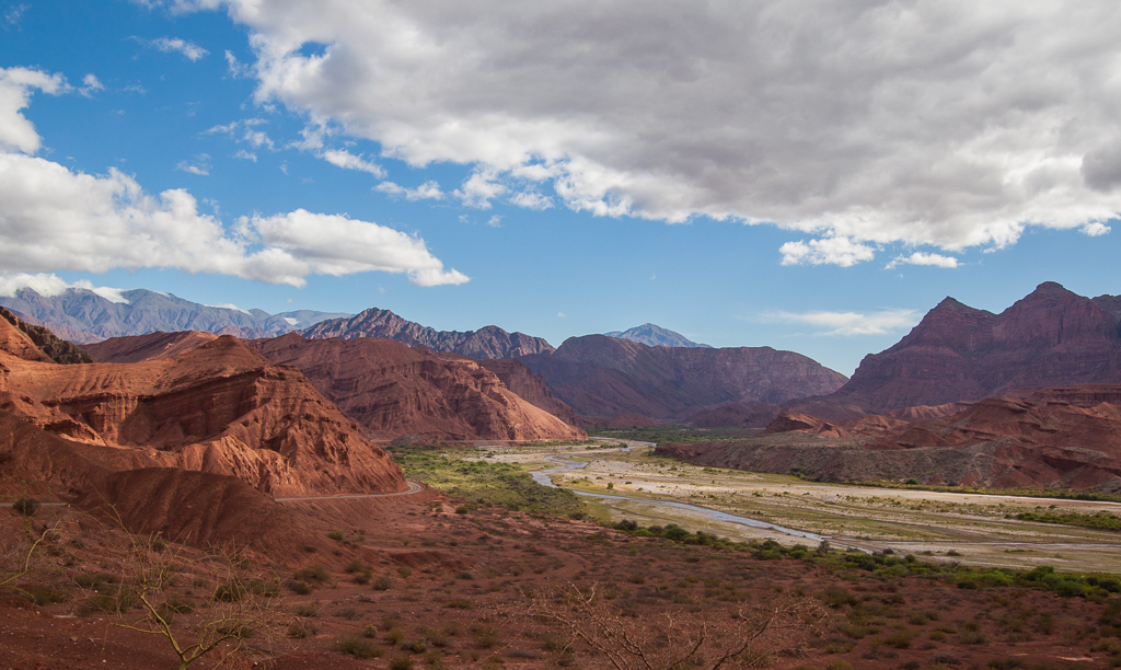 Amazing vistas on the way to Cafayate.