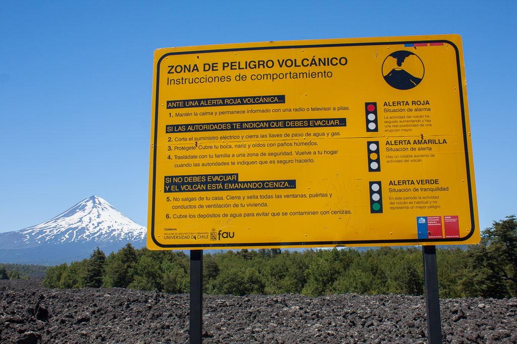 Volcán Llaima warning sign.